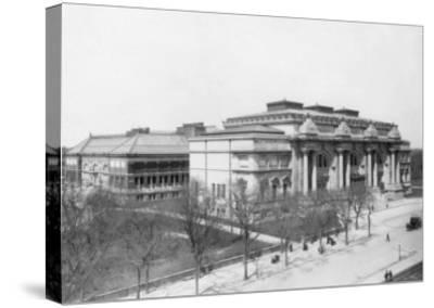 Metropolitan Museum of Art NYC Photo - New York, NY-Lantern Press-Stretched Canvas Print