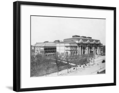 Metropolitan Museum of Art NYC Photo - New York, NY-Lantern Press-Framed Art Print