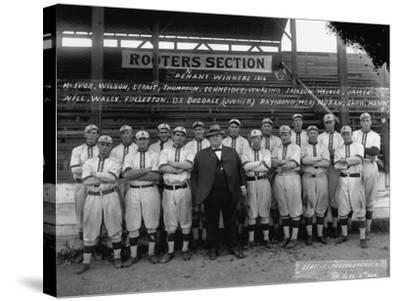 Seattle Giants with Daniel Dugdale Photograph - Seattle, WA-Lantern Press-Stretched Canvas Print
