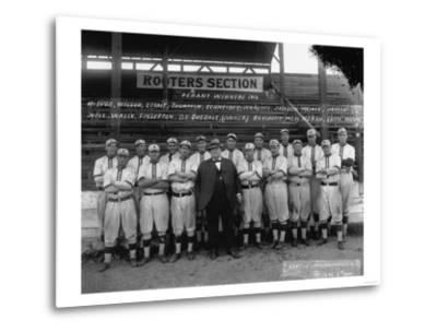 Seattle Giants with Daniel Dugdale Photograph - Seattle, WA-Lantern Press-Metal Print