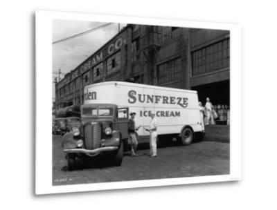 Seattle Ice Cream Co. truck Photograph - Seattle, WA-Lantern Press-Metal Print