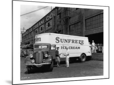 Seattle Ice Cream Co. truck Photograph - Seattle, WA-Lantern Press-Mounted Art Print