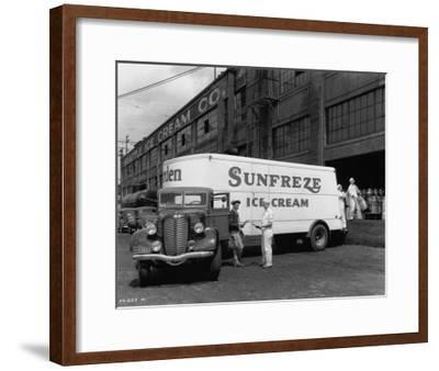 Seattle Ice Cream Co. truck Photograph - Seattle, WA-Lantern Press-Framed Art Print