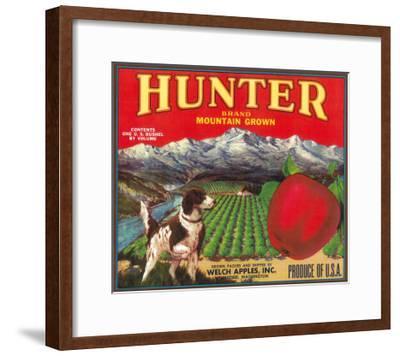 Hunter Apple Label - Wenatchee, WA-Lantern Press-Framed Art Print