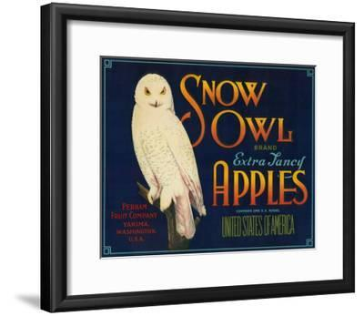 Snow Owl Apple Label - Yakima, WA-Lantern Press-Framed Art Print