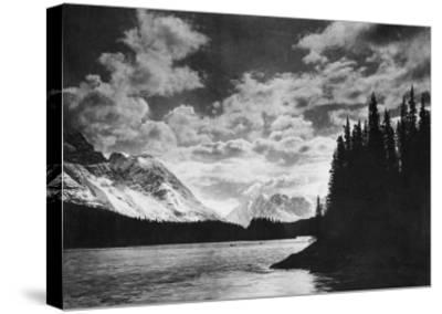 Beautiful Alaskan Mountains Photograph - Alaska-Lantern Press-Stretched Canvas Print
