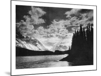 Beautiful Alaskan Mountains Photograph - Alaska-Lantern Press-Mounted Art Print