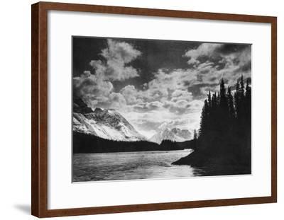 Beautiful Alaskan Mountains Photograph - Alaska-Lantern Press-Framed Art Print