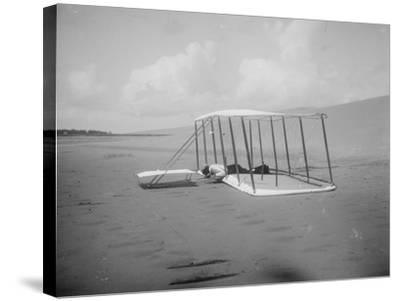Wilbur Wright in prone position on glider Photograph - Kitty Hawk, NC-Lantern Press-Stretched Canvas Print