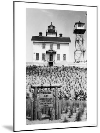Yaquina Bay Lighthouse Photograph - Yaquina, OR-Lantern Press-Mounted Art Print