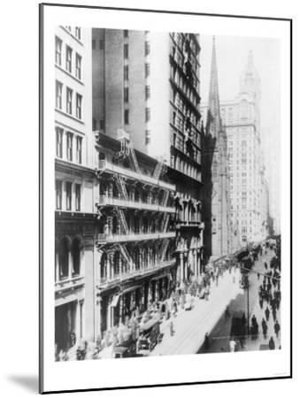 American Express Building on Broadway North NYC Photo - New York, NY-Lantern Press-Mounted Art Print