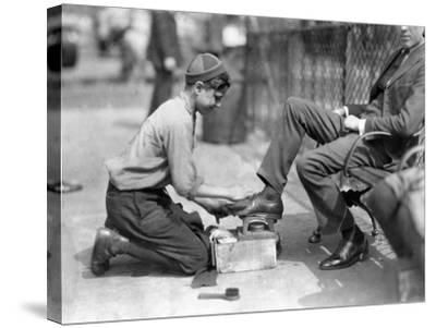 Young Bootblack in Bowling Green NYC Photo - New York, NY-Lantern Press-Stretched Canvas Print