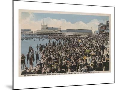 Atlantic City, NJ - Holiday Crowd at the Beach-Lantern Press-Mounted Art Print