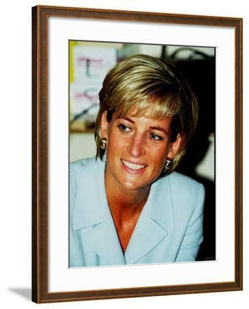 Princess Diana at Brompton Hospital to Highlight Cystic Fibrosis Week--Framed Photographic Print