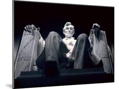 Abraham Lincoln Statue Inside the Lincoln Memorial-Rex Stucky-Mounted Photographic Print