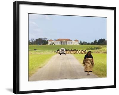 Paying Tribute to the New King of Tonga-Oliver Strewe-Framed Photographic Print
