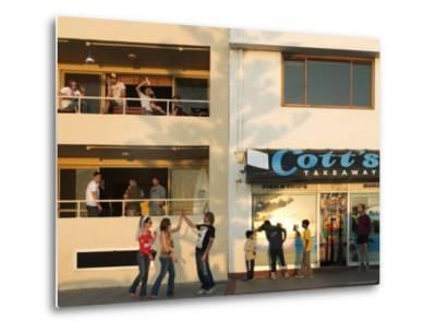 People Outside Cott's Takeaway, Cottesloe Beach-Orien Harvey-Metal Print