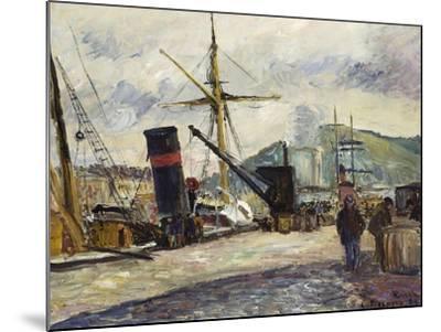 Steamboat, Rouen, Bateau a Vapeur, Rouen, 1883-Camille Pissarro-Mounted Giclee Print