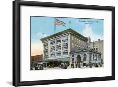 Spokane, Washington, Exterior View of the Crescent Store Building-Lantern Press-Framed Art Print