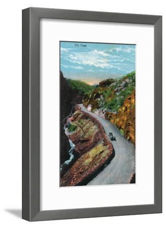 Manitou Springs, Colorado, View of Ute Pass-Lantern Press-Framed Art Print