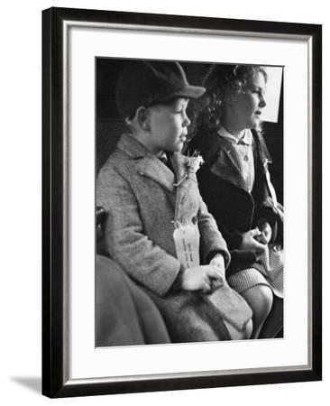 Evacuees Returning Home to London-Ian Smith-Framed Photographic Print