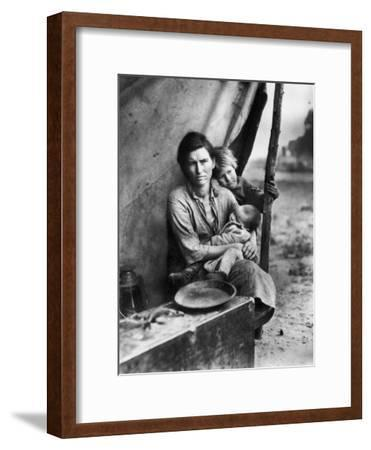 Migrant Mother Florence Thompson and Children Photographed by Dorothea Lange-Dorothea Lange-Framed Photographic Print