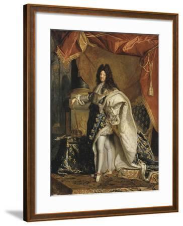 Louis XIV âgé de 63 ans en grand costume royal-Hyacinthe Rigaud-Framed Giclee Print