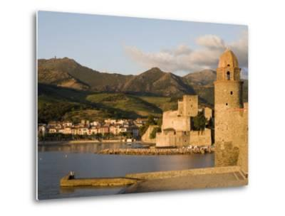 Morning Light, Eglise Notre-Dame-Des-Anges, Collioure, Pyrenees-Orientales, Languedoc, France-Martin Child-Metal Print