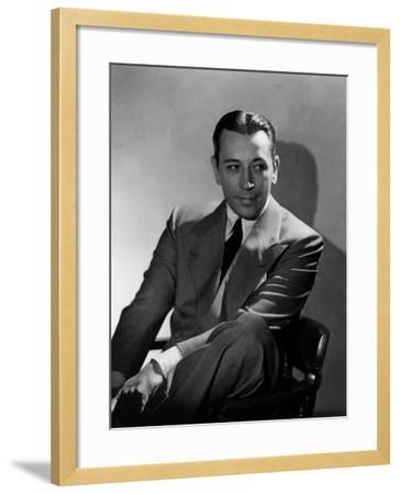 They Drive by Night, George Raft, 1940--Framed Photo