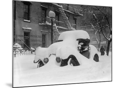 1920's Model Car Is Covered with Snow after a January 1922 Blizzard in Washington, D.C--Mounted Photo