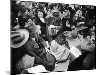 Frenzied Shoppers Crowd around Busy Cashier During Hearn's Department Stores Bargain Rush Sale-Lisa Larsen-Mounted Photographic Print