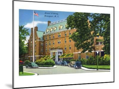 Newport, Rhode Island - Exterior View of the Hotel Viking, c.1935-Lantern Press-Mounted Art Print