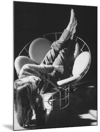 Love Seat Designed by Verner Panton Made of Steel Wire and Stretch Fabric-Yale Joel-Mounted Photographic Print