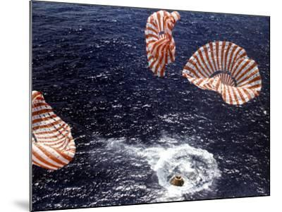 Apollo 15 Splashing Down in Pacific Ocean W. Parachutes Trailing Behind--Mounted Photographic Print