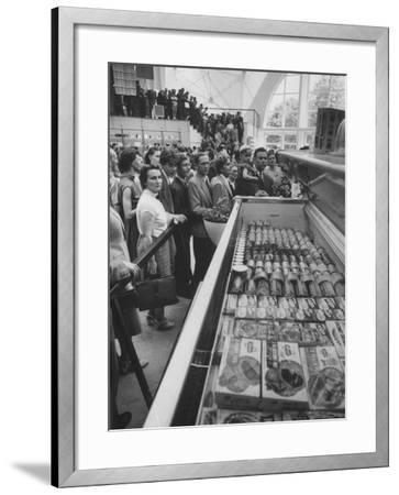 Crowds Checking Out Frozen Foods at the Us Exhibit, During the Poznan Fair-Lisa Larsen-Framed Photographic Print