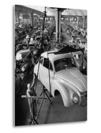 Dkw Auto Works, New 1954 Opels Getting Made-Ralph Crane-Metal Print