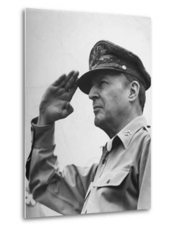 General Douglas Macarthur Saluting During the July 4 Allied Military Government Parade--Metal Print