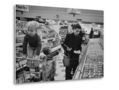 Working Mother Jennie Magill Shopping with Her Children at the Super Market--Metal Print
