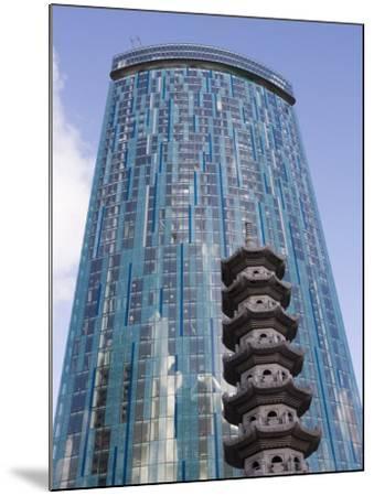 Beetham Tower, Radisson Sas Hotel, Pagoda, Chinese Quarter, Birmingham, England, United Kingdom-Martin Child-Mounted Photographic Print