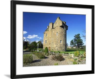 Claypotts Castle, Broughty Ferry, Near Dundee, Highlands, Scotland, United Kingdom, Europe-Kathy Collins-Framed Photographic Print