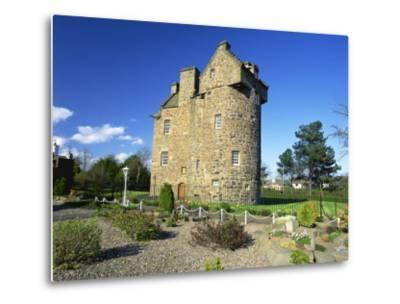 Claypotts Castle, Broughty Ferry, Near Dundee, Highlands, Scotland, United Kingdom, Europe-Kathy Collins-Metal Print