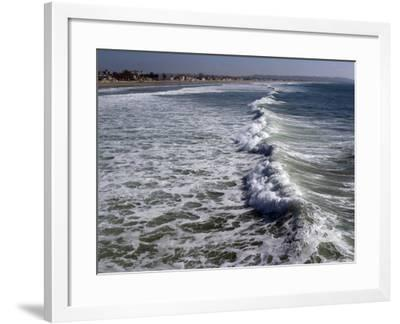 Shoreline with Waves Coming In, Pacific Beach, San Diego, California, USA-Ethel Davies-Framed Photographic Print