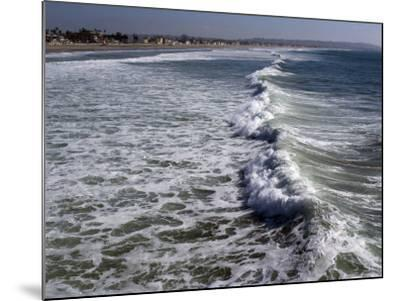 Shoreline with Waves Coming In, Pacific Beach, San Diego, California, USA-Ethel Davies-Mounted Photographic Print