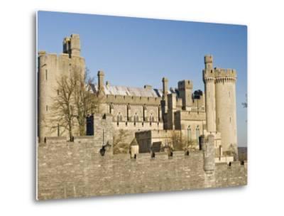 Arundel Castle, Arundel, West Sussex, England, UK-James Emmerson-Metal Print