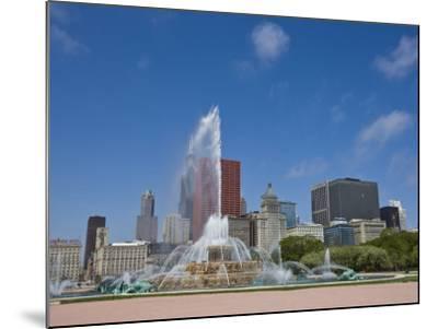Buckingham Fountain in Grant Park with Skyline Beyond, Chicago, Illinois, USA-Amanda Hall-Mounted Photographic Print