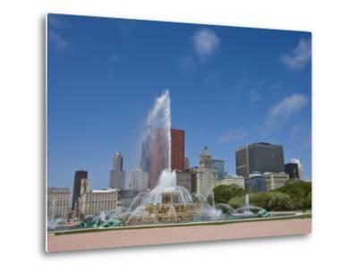 Buckingham Fountain in Grant Park with Skyline Beyond, Chicago, Illinois, USA-Amanda Hall-Metal Print