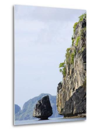 Bacuit Bay, El Nido Town, Palawan Province, Philippines, Southeast Asia-Kober Christian-Metal Print