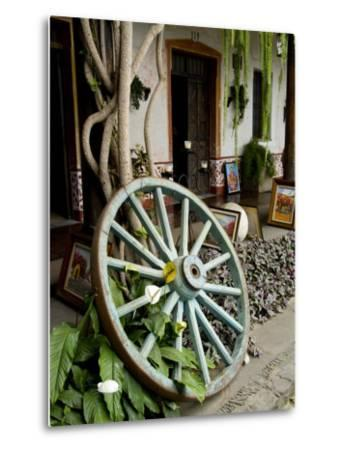 Wagon Wheel, La Posada De Don Rodrigo Hotel, Antigua, Guatemala-Bill Bachmann-Metal Print