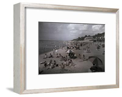 Hoards of Chicagoans Flee to Lake Michigan to Beat the City Heat-Willard Culver-Framed Photographic Print