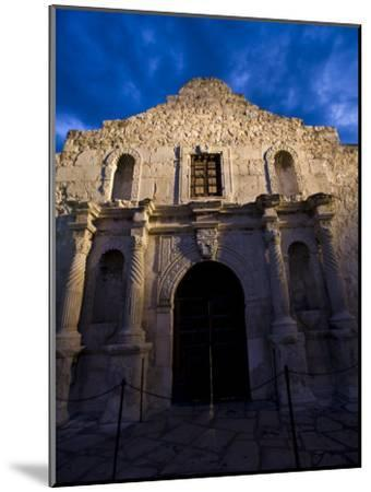 Front Facade of the Alamo-Richard Nowitz-Mounted Photographic Print